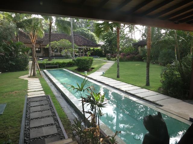 Bali Apr 2012 100s 9
